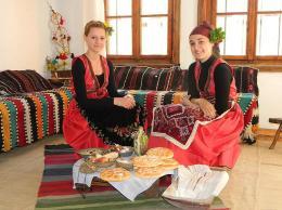 Лазарски носии от средата на XIX в. - Исторически музей град Провадия