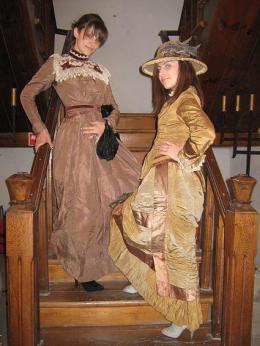 Градски носии. - Исторически музей град Провадия
