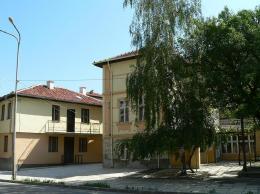 "Реставрирани стари къщи в кв. ""Вароша"". - Исторически музей град Провадия"